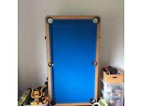 Pool table, folding, with wheels