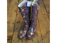 Ladies/Girls Flower Wellies - Size 5 - £10