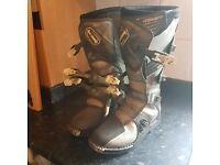 Helmet & Size 8 Boots
