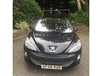 Black Peugeot 308 low mileage