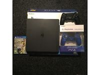 PS4 Slim + FIFA 17 + 2 controllers