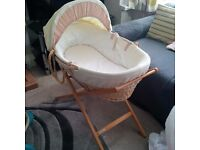 Mams & Papas Moses basket with stand