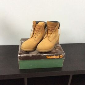 Ladies Timberland boot, size 6, hardly worn / great condition.