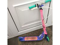 Girls decathlon scooter suitable for age 4-6