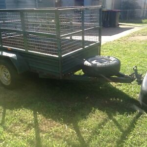 6x4 WITH CAGE $280neg Mount Gravatt Brisbane South East Preview