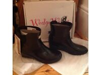 Chelsea Man Eater Wedge Wellies. Brand new with tags. Black rubber. UK size 5 . EU 38