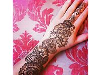 Mehndi / Henna Artist! Bridal, Parties, Personalised Canvas & Candles etc