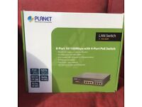 Planet 8 Port 10/100 Mbps with 4 Port switch