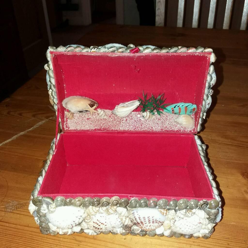 shelled jewellery box