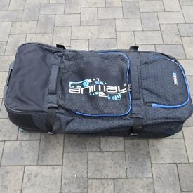 Animal Roller Bag Twin holdall - 100/120ltrs in Excellent Condition - For sale