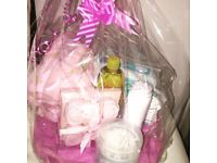 New born baby girls hamper 👧🍼🎁