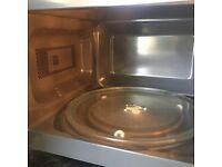 Black De Longhi Microwave Oven £50