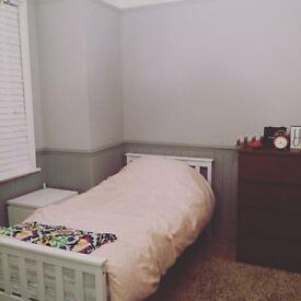 Twin bedroom to rent July and August 2017