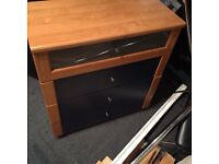 Chest of drawers and sliding wardrobes doors