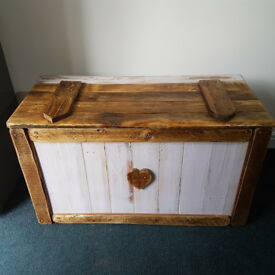 Handmade Rustic Farmhouse Country Style Shabby Chic Blanket Chest / Box