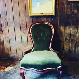Victorian Spoon Drawing Room Back Nursing Chair Cabriole Scrolled Legs