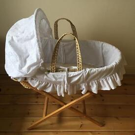Moses basket Clare de lune, excellent condition