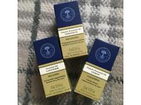 Neal's Yard Essential Oils set RRP £29.50!!