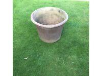 Terracota garden Heavy pots large £12 the pair