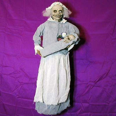 Old Lady Halloween Baby (CREEPY OLD LADY w/BABY~SINGS LULLABY~LIGHTS UP~Hanging Halloween Prop)
