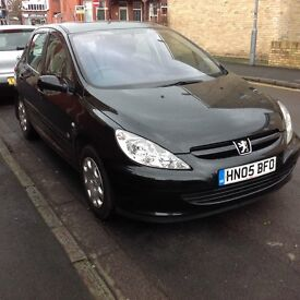 2005/05 Peugeot 307 1.4 zest with history in black