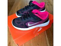 Nike Revolution 3 Infant Trainers Pink Black size 8 (7)
