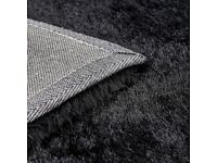 Indulgence black rug