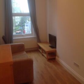 Great one bedroom flat, conveniently close to Fulham broadway&West Kensington tube station