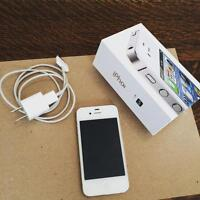 Rogers iPhone 4s, 16GB in mint condition!