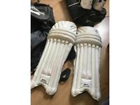 Cricket batting pads boys 105