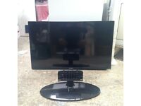 SAMSUNG 40 inch HD tv and stand in excellent condition