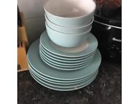 Free to collector plates and bowls