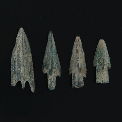 Ancient Arrowheads Barbed Trilobate Pyramid Triblade Patinaed Weaponry Lot of 4