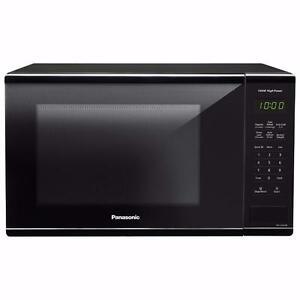 1.3 Cu. Ft. CASH SALE Panasonic Counter top Microwave - BLACK- $ 70.00