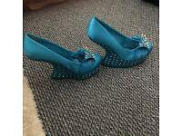 Womesn brand new blue heels