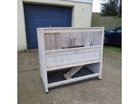 Lovely spacious indoor Guinea Pig hutch (also suits small breed rabbit)