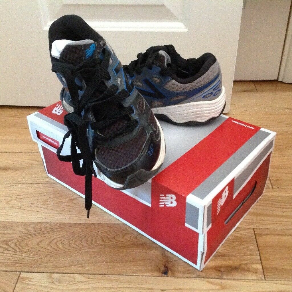 New Balance Trainers / Running Shoes Size 3