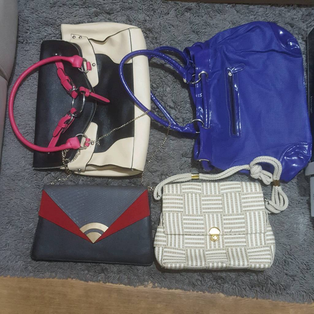 ceeeb6256f 4 x ladies Bag all in good condition