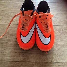 Nike football boots uk 4