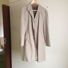 2x raincoats by Driway , size large
