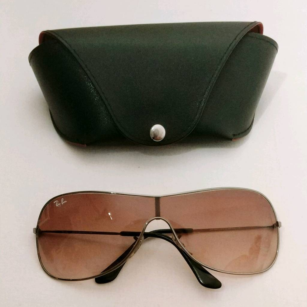 Ray-Ban 3211 Small   in Hackney, London   Gumtree e7494ee92ddc