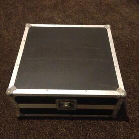 Flight Case.. 19 INCH Mixer - Sloped Desktop Type