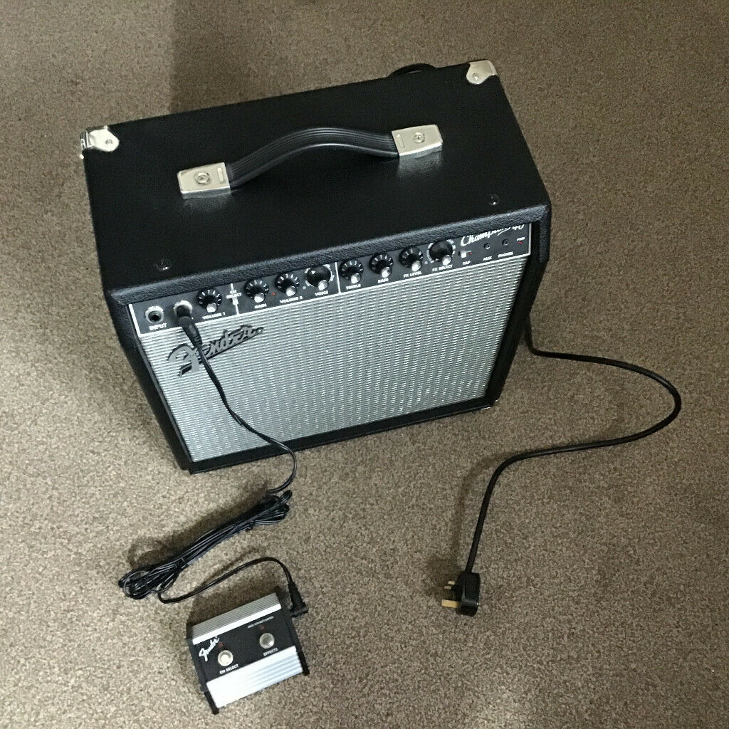 Fender Champion 40 Amp with 2 Button Footswitch | in Dundee | Gumtree