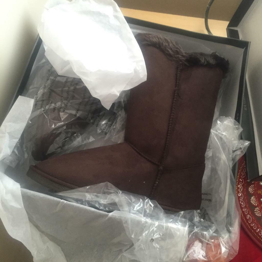Brown faux fur boots brand new in box uk8