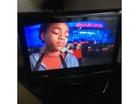 """Bush 19"""" LCD HD TV with built in Freeview and DVD player in good condition"""