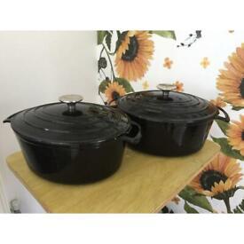 2x Cast Iron Pro Cook Pots