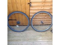 2x 700x38c rear and front rim plus tyre