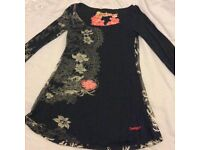 Ladies black patterned long too small