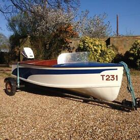 Classic rare CaricCraft 1950s speed boat