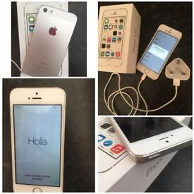 White iphone 5s 16gb boxed with a charger